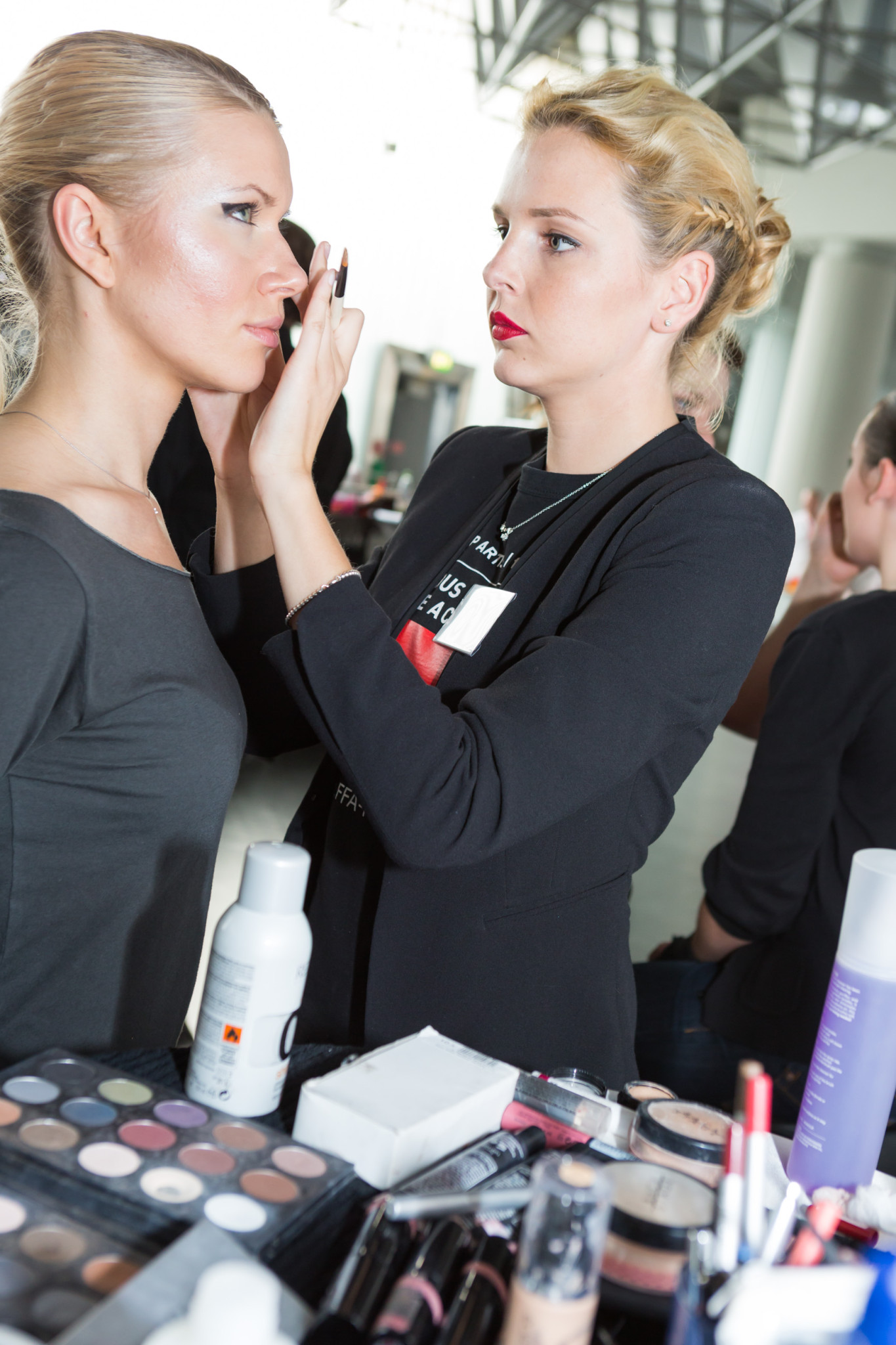 A dark and wide Eyeliner was the key look of the styling for the FRANKFURT STYLE AWARD 2013.