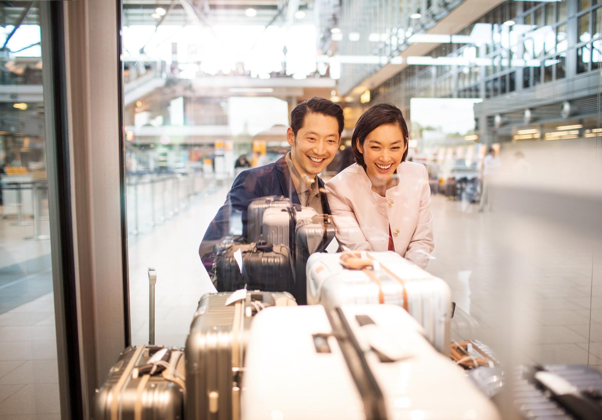 Miles & More Teilnehmer bekommen ihre Wunschprämie aus dem Bereich Shopping & Lifestyle bequem nach Hause geliefert