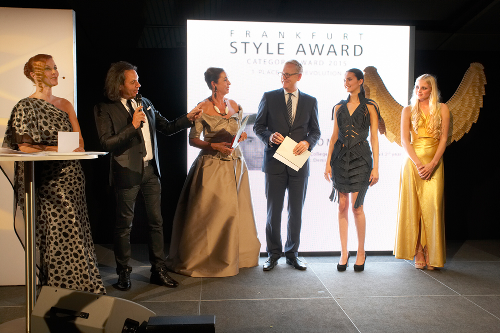 FrankfurtStyleAward_Gala150905_Category-Award-Winner_1.Place_BlueRevolution_SimoMarom_ISR