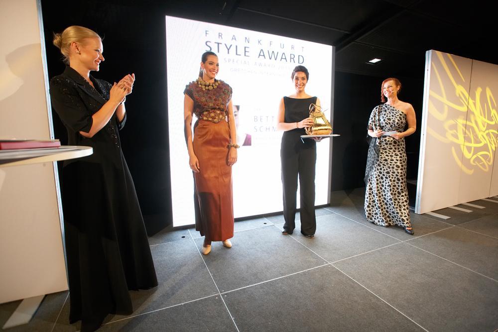 FrankfurtStyleAward_Gala150905_Special-Award-Winner_Gretchen-Internship_Bettina-Schmutz_GER_(c)PRP__36J1830