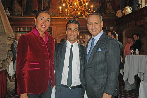 Hannemie Stitz-Krämer mit Gewinner Simo Marom und Schlosshotel Direktor Franz Zimmermann.